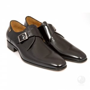 Can a High End Shoe be a Great Gift For a Debonair Man?